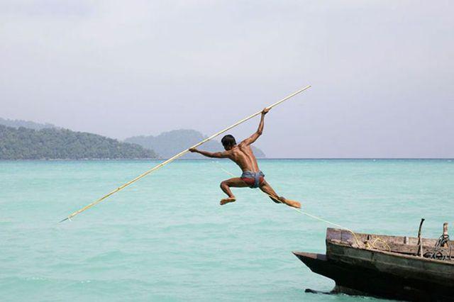 Фотограф Кэт Винтон - Рыбак в Андаманском море.