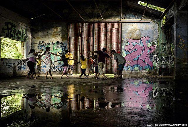 Фотограф Гэвин Гоуф - фото калькутского клуба скейтбординга в Индии.
