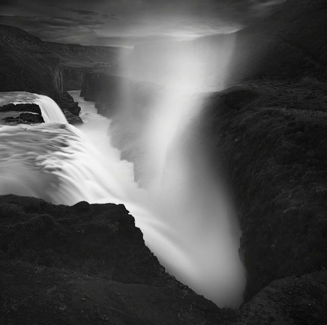 Фотограф Эммануэль Коуп - фото водопада в Исландии.