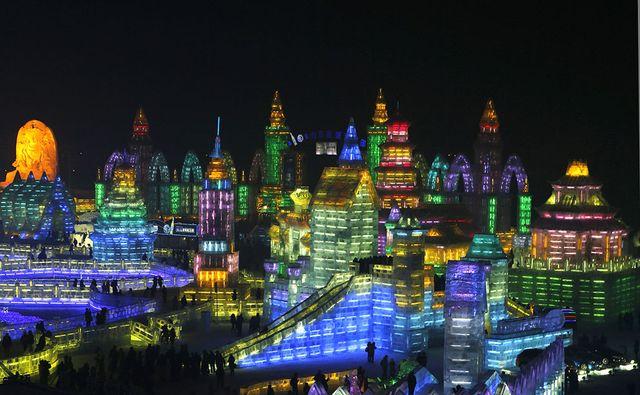 Фестиваль ледяных скульптур в Китае 2014