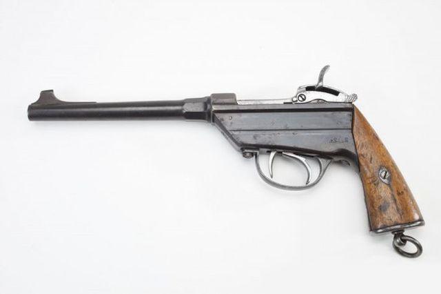 """Однозарядный пистолет """"Вердер""""."""