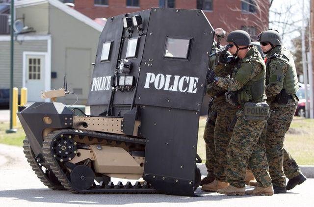 Робот SWAT с дистанционным управлением
