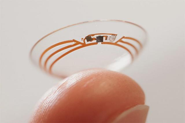 Google изобрел умные контактные линзы