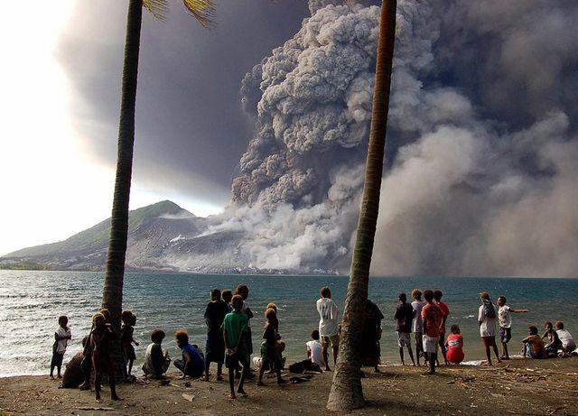 Извержение вулкана в Папуа-Новой Гвинее