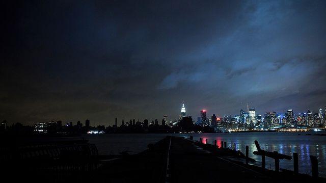 Отключение электроэнергии Нью-Йорка ураганом Сэнди