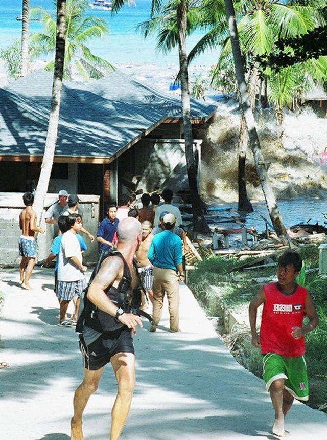 Волны цунами в Таиланде