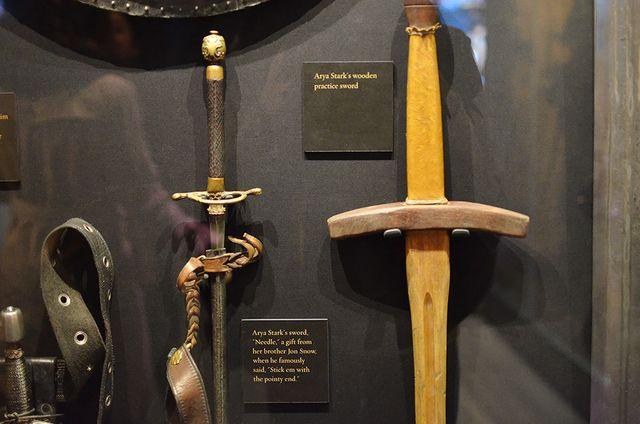 """""""Игла"""" - меч, подаренный Арье Старк"""