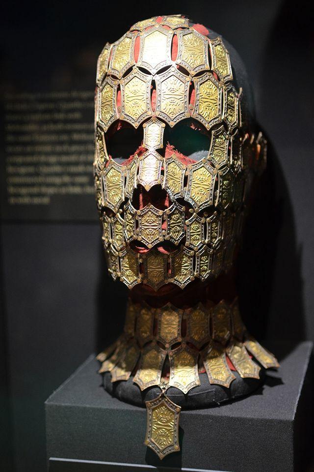 Таинственная маска заклинательницы теней Куэйты