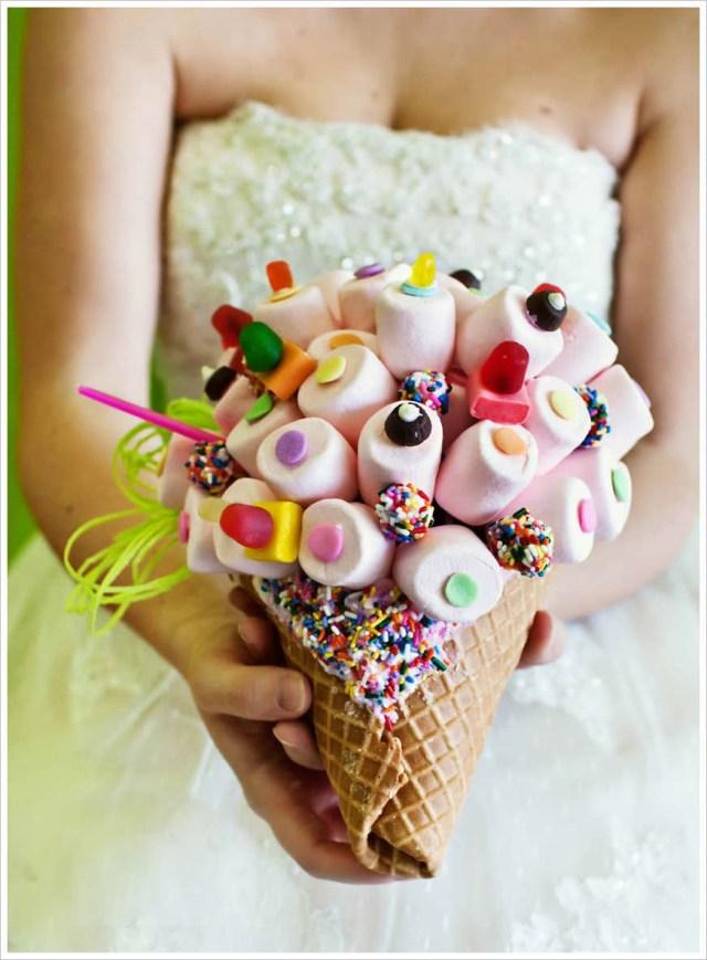 alternative-wedding-bouquet-marshmallows