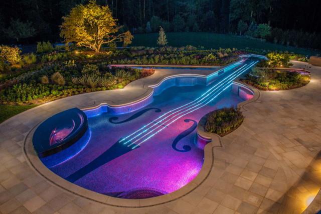 10 шикарных бассейнов из США: искусство жить красиво