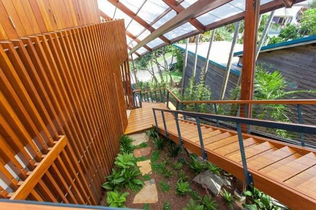 22-Exterior-staircase-600x399