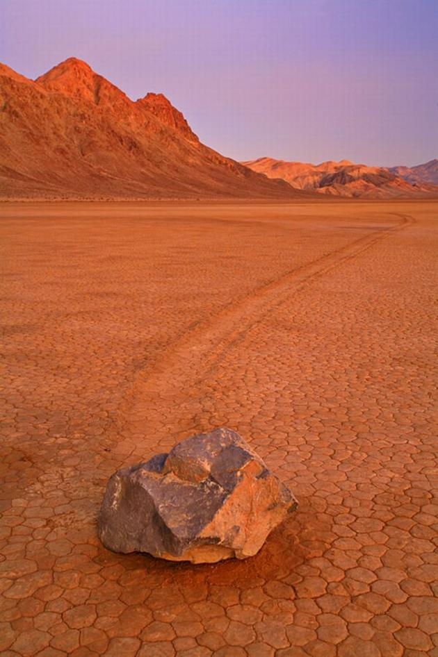 death_valley_california_sailing_stones_mojave_desert11