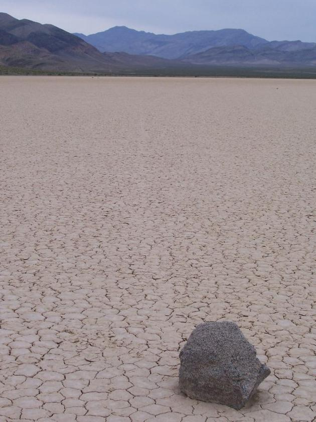 death_valley_california_sailing_stones_mojave_desert3