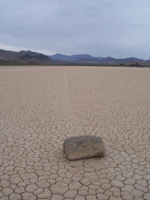 death_valley_california_sailing_stones_mojave_desert4