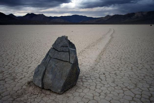 death_valley_california_sailing_stones_mojave_desert6