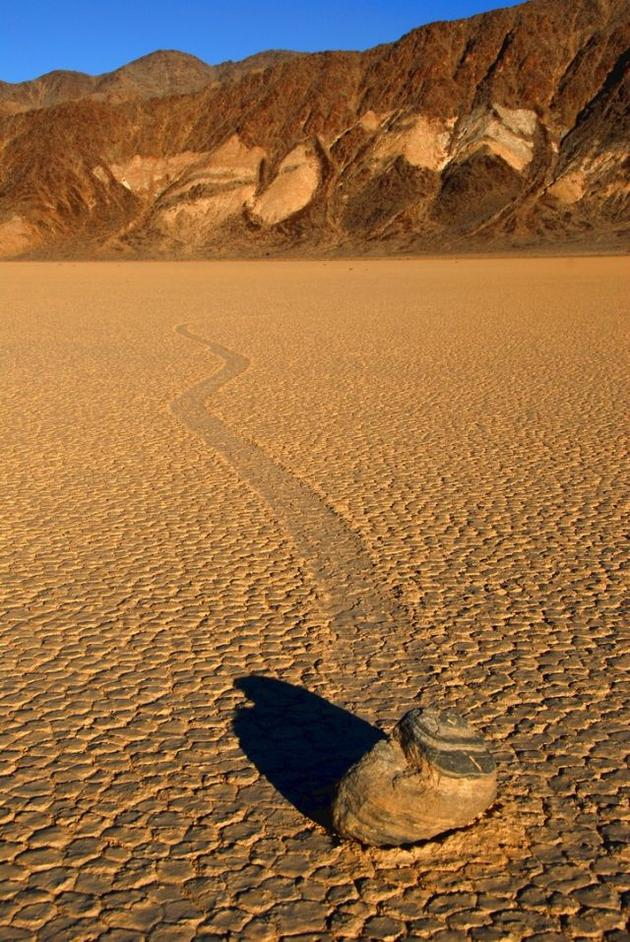 death_valley_california_sailing_stones_mojave_desert7