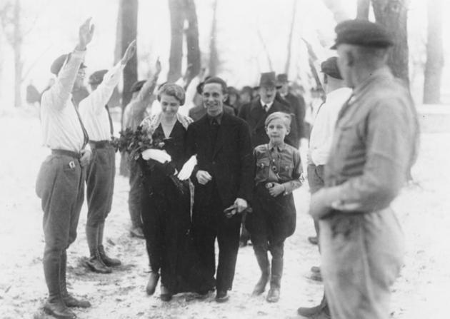 historical-photos-rare-pt2-goebbels-wedding-hitler