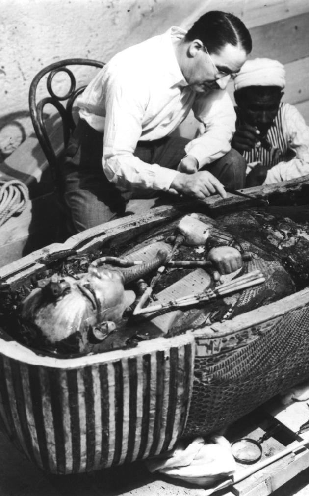 historical-photos-rare-pt2-openining-king-tut-sarcophagus