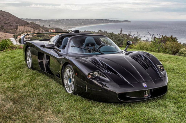 maserati-mc12-black-passion4luxury-1_1