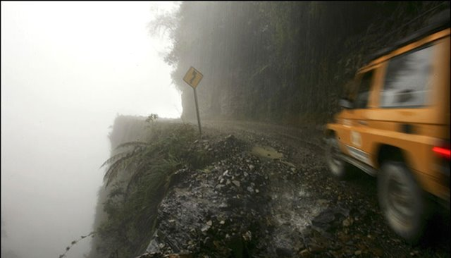 north_yungas_road_of_death_bolivia5