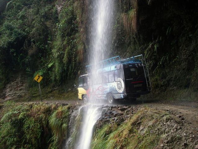 north_yungas_road_of_death_bolivia9