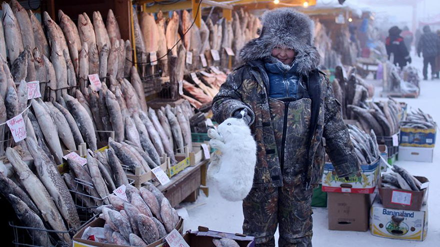 oymyakon-coldest-village-on-earth-amos-chapple-01