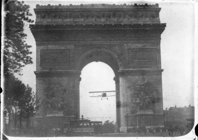rare-photos-charles-godefroy-1918-arc-de-triomphe
