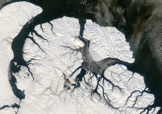 space-earth-photography-sirmilik-canada-nasa