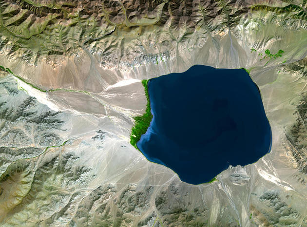 space-earth-photography-uvs-lake-mongolia-nasa
