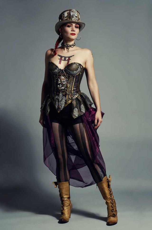 steampunk_fashion_by_directionsforpest-d5ko4m5