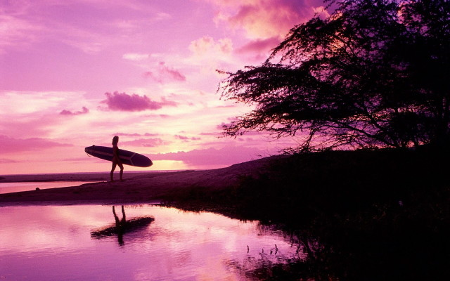 surfing-dusk-maui-hawaii-united-states_1