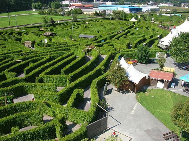 switzerland-labyrinth-adventure-evionnaz
