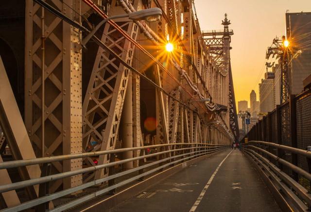 walking_over_the_queensboro_bridge_by_eligit-d55kbee_1