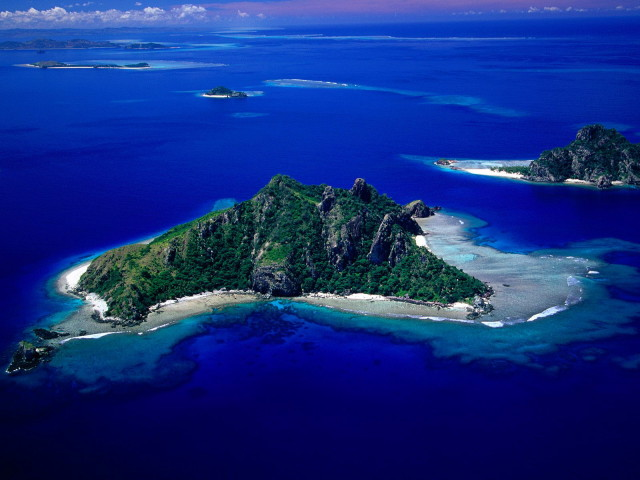 aerial_view_of_monu_island_fiji_1