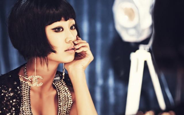 beautiful-brunette-asian-girl-wallpaper-1680x1050_1