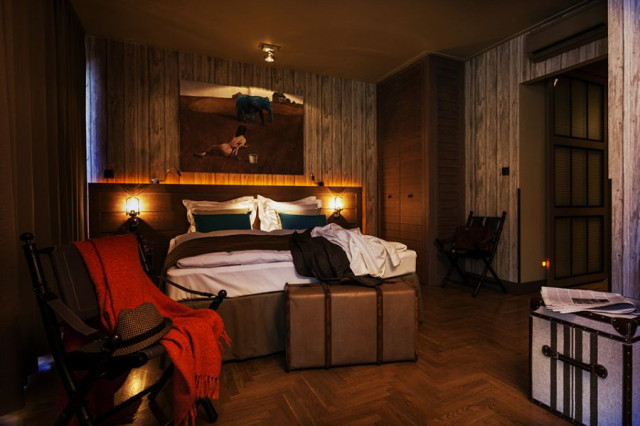 gorgeous-interiors-of-baltzar-hotel-in-budapest_1