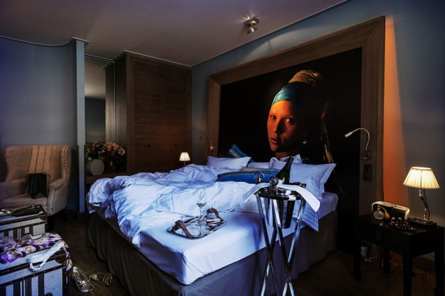 hungarian-hotel-room-with-pop-art-influences-of-andy-warhol_1