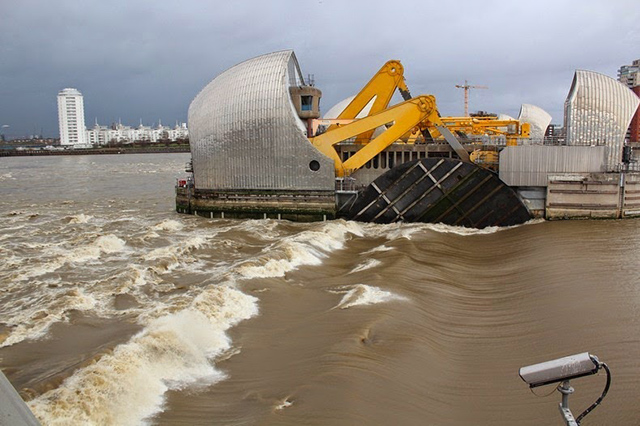 thames-barrier-2[2]