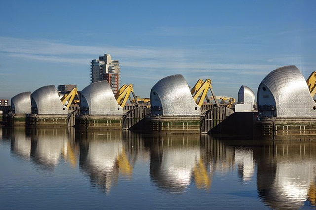 thames-barrier-4[6]