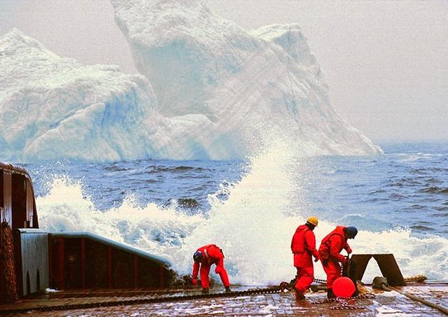 towing-iceberg-2[2]
