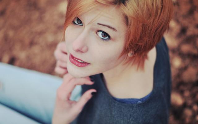 girl-look-redhead-wallpaper-1680x1050_1