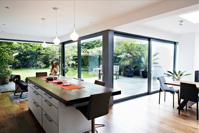 glass-extension-kitchen-space-1-600x400