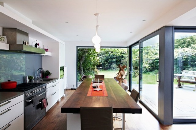 glass-wall-kitchen-2-600x400