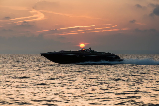 The Hunton XRS43-passion4luxury-luxury blogs-16_1