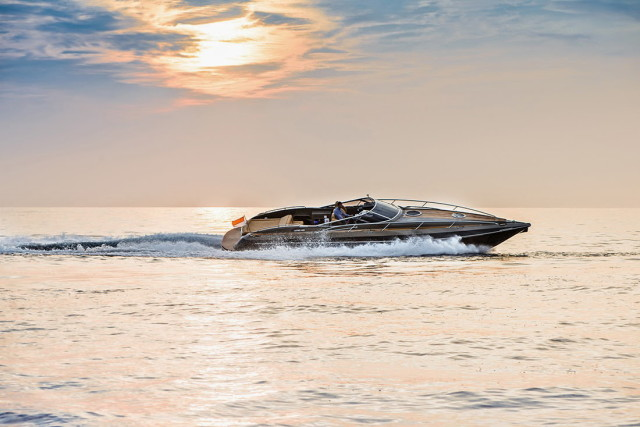 The Hunton XRS43-passion4luxury-luxury blogs-8_1
