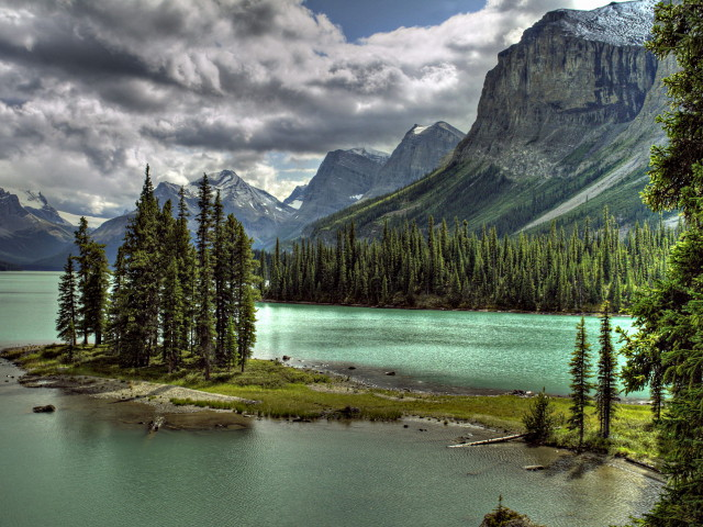 3D-abstract-other-lake-maligne-canada-wallpaper_1
