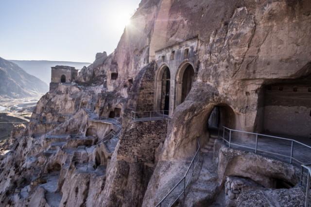 680-vardzia-cave-city-monastery-georgia_1