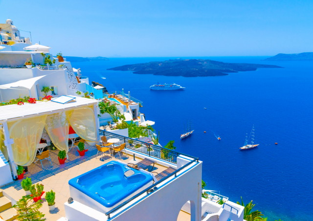 Accommodation in Santorini, Greece_1