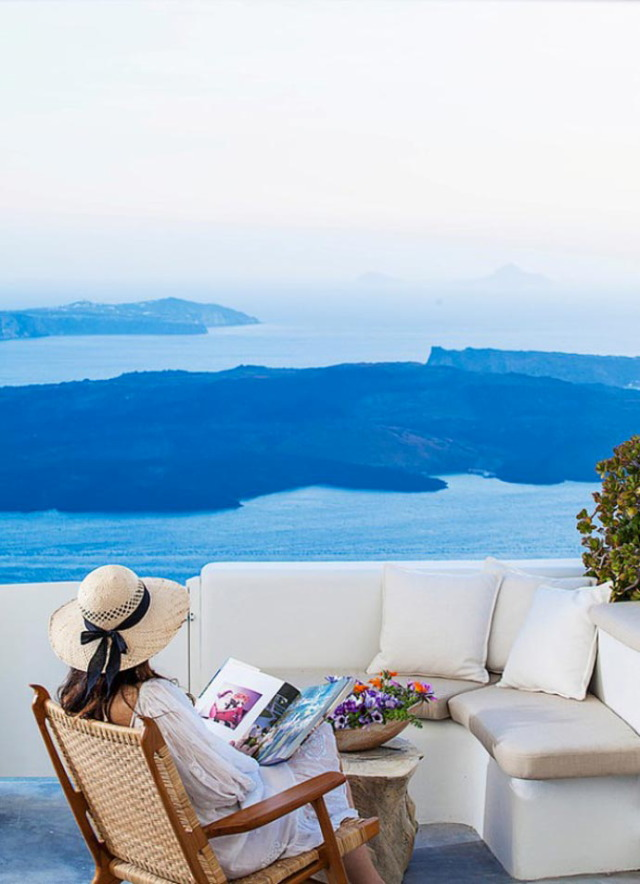 Native_Eco_Villa_Santorini_Greece_1