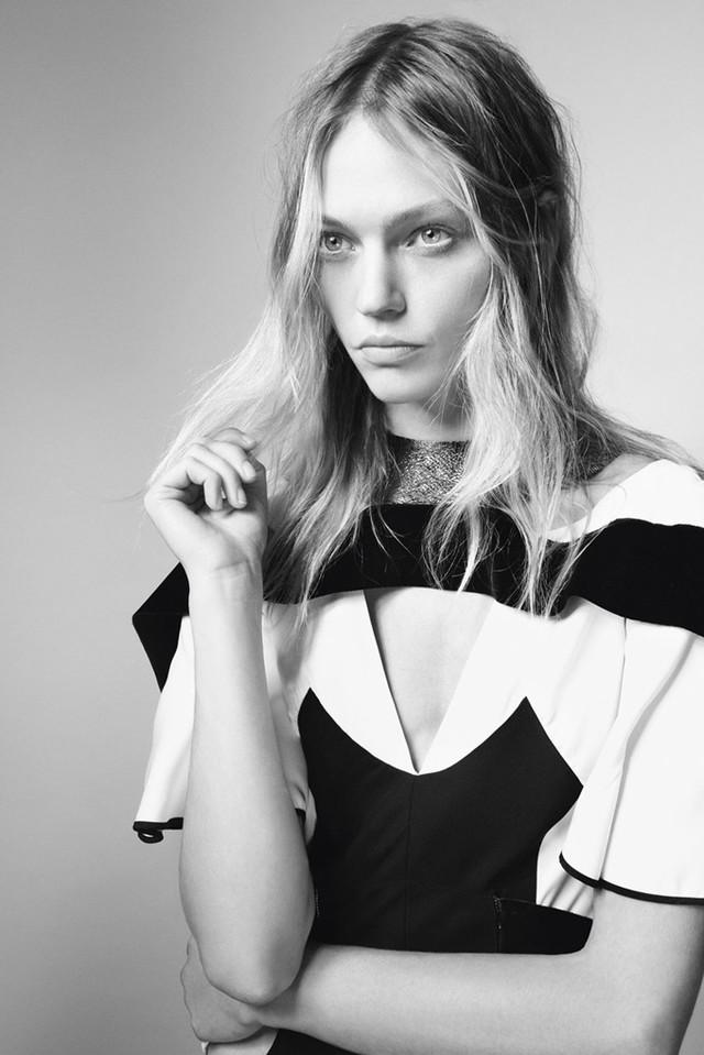 Sasha-Pivovarova-iD-Magazine-Glen-Luchford-04_1